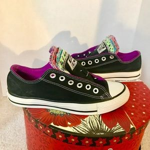✨Converse✨ Black with Muti-color Shoe Tongues
